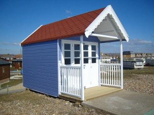 Beach Hut with Double Doors & Verandah