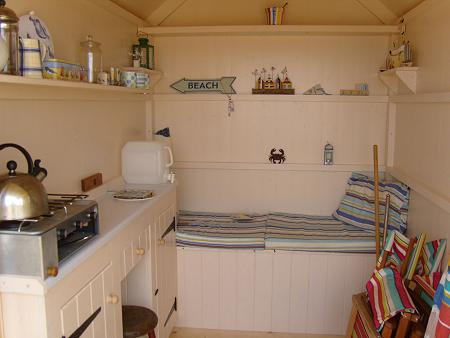 Custom made beach hut interiors for Beach hut interior ideas